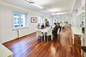ufficio open sala riunione tavolo lungo custom spazi esclusivi