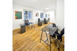 ufficio studio sala riunione tavole vetro spazi esclusivi